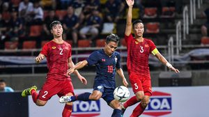 """จืดสนิท! """"นิชิโนะ""""ประเดิม ทีมชาติไทย เจ๊า เวียดนาม 0-0 หลังรั่ว,หน้าจั่วลม"""