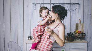 เลี้ยงลูกอยู่บ้าน ก็ไม่ขาดรายได้ 3 อาชีพแนะนำ สำหรับคุณแม่ ไม่อยากว่างงาน