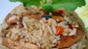 เมนู ข้าวผัดปลาสลิดใบกระเพรา เผ็ดร้อนหอมกระเพรา