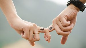 บางครั้ง ความรักไม่มีผิดถูก ไม่มีเหตุผลที่จะรักใครสักคน