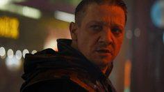 โรนิน (ฮอว์กอาย) ในหนัง Avengers: Endgame จะใส่ชุดสุดเท่เหมือนโมเดลของเล่นชิ้นนี้