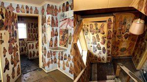 ซื้อบ้านแถมรูปโป๊ จัดหนักจัดเต็ม รูปสยิวสาวๆ เต็มผนังกว่า 1,000 รูป