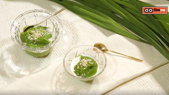วิธีทำ เปียกปูนสดน้ำใบเตย ขนมไทยที่มีเอกลักษณ์คือกลิ่นหอมของใบเตย