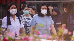 ประชาชนสวมใส่หน้ากาก N95 ป้องกันฝุ่นละออง PM 2.5