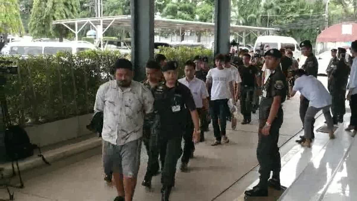 ทหารคุมตัว 10 ผู้ต้องหาคดีส่งระเบิดทางไปรษณีย์ มาสอบสวนที่กองปราบฯ