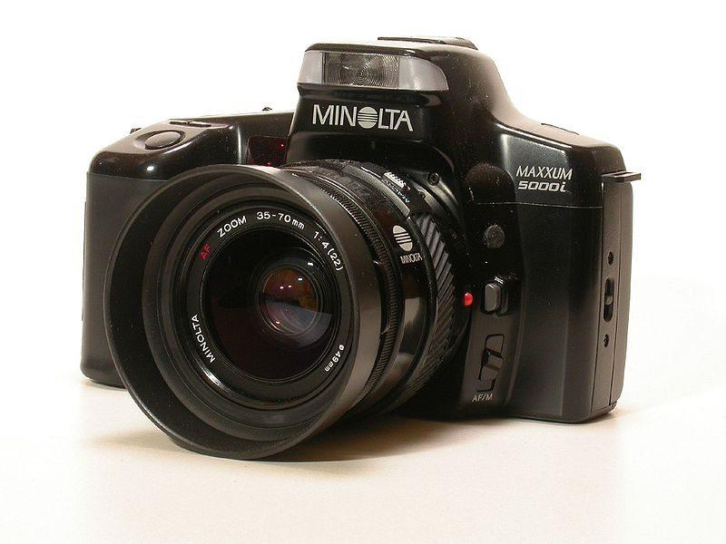 800px-Minolta_Maxxum_5000i_SLR
