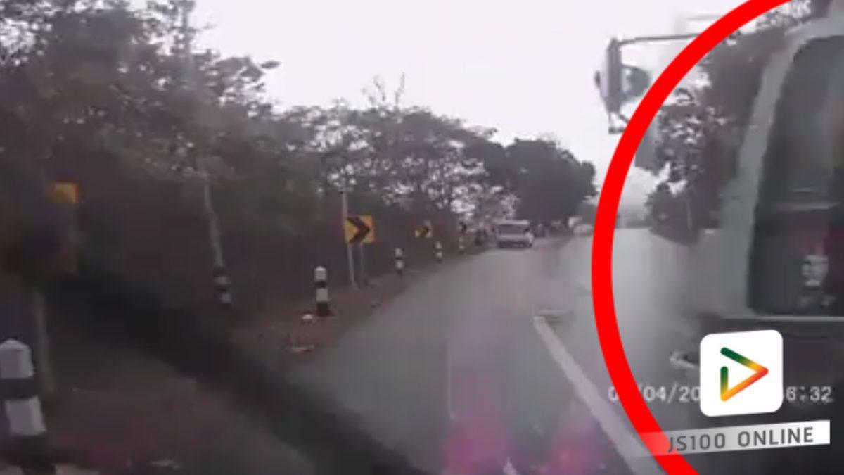 รถบรรทุกหมุนกลางโค้ง...ถนนลื่น!! (19-02-61)