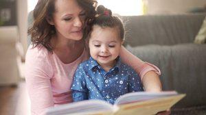 คุณแม่รู้ยัง? เลือกหนังสือนิทาน แบบไหน ให้เหมาะกับลูกน้อยในแต่ละวัย