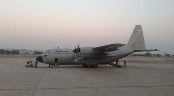 เครื่องบินนายกฯ วนกลับ กทม. เปลี่ยนเครื่อง หลังใบพัดขัดข้องกลางอากาศ
