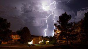 เตือนภัย! ผู้ใช้ อุปกรณ์ไฮเทค ใน หน้าฝน ด้วย อุปกรณ์ป้องกันแรงดันจากฟ้าผ่า