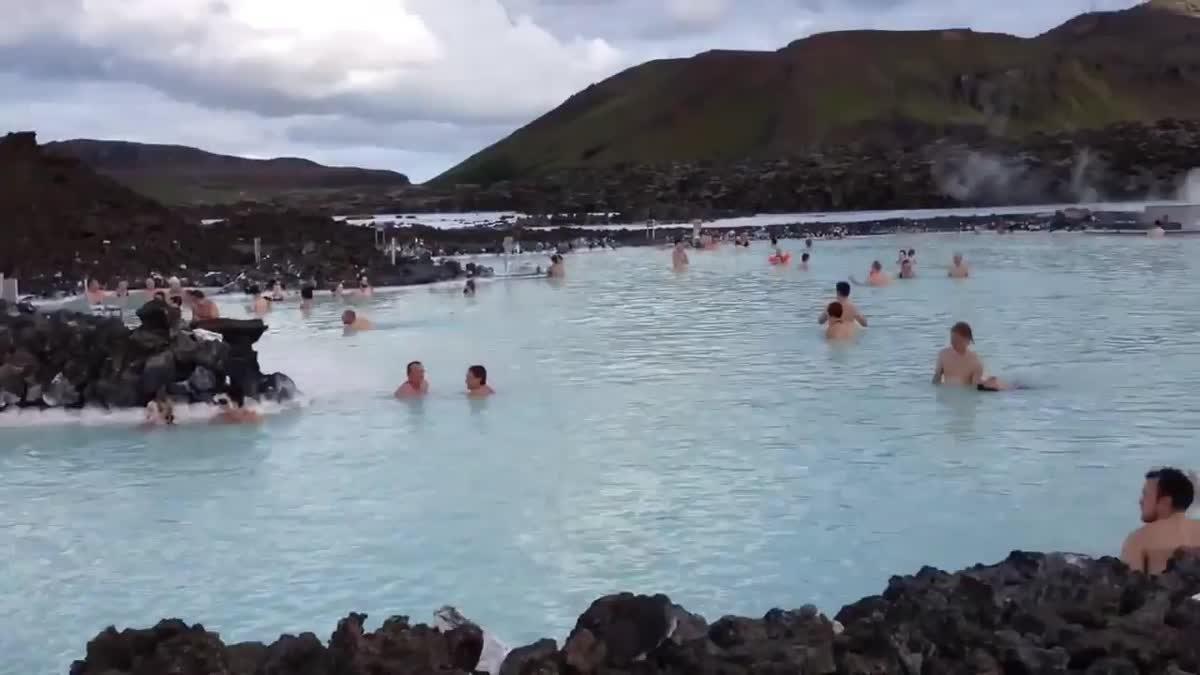 เที่ยวไอซ์แลนด์ ดินแดนน้ำพุร้อนในน้ำแข็ง