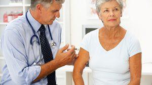 ฉีดวัคซีนในผู้ใหญ่ และผู้สูงวัย เรื่องสำคัญช่วยป้องกันให้ห่างไกลโรคร้ายได้