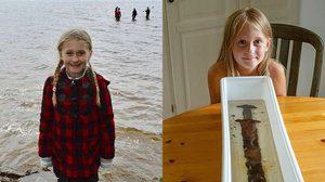 ความบังเอิญเป็นเหตุ! เด็กวัย 8 ขวบ พบดาบอายุกว่าพันปี ระหว่างเล่นน้ำ