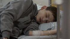 หนุ่มชาวโปแลนด์ Tomasz ป่วยโรคทางพันธุกรรม ร่างกายหยุดเติบโตอยู่ในวัย 12