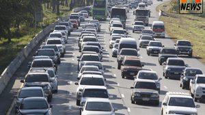 สภาพการจราจรบนถนนสายเอเชีย รถยังแน่นเต็มทุกเลน