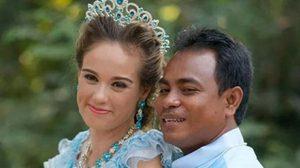 แหม่มสาวสวย พบรัก หนุ่มเขมรหน้าบ้าน ๆ จัดงานแต่งสุดน่ารัก