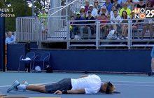 นักเทนนิสดาวรุ่งสเปนล้มฟุบระหว่างแข่งที่ไมอามี