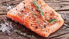10 อาหารป้องกันโรคอัลไซเมอร์ เพิ่มความจำ ชะลออาการหลงๆ ลืมๆ