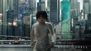 สการ์เล็ตต์ โจแฮนส์สัน เป็นไซบอร์กในตัวอย่างแรก Ghost in the Shell