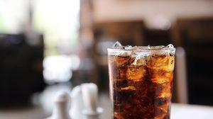 ระวัง!! ดื่มน้ำอัดลมมากๆ ทำลาย 7 สิ่งในร่างกายแบบไม่รู้ตัว