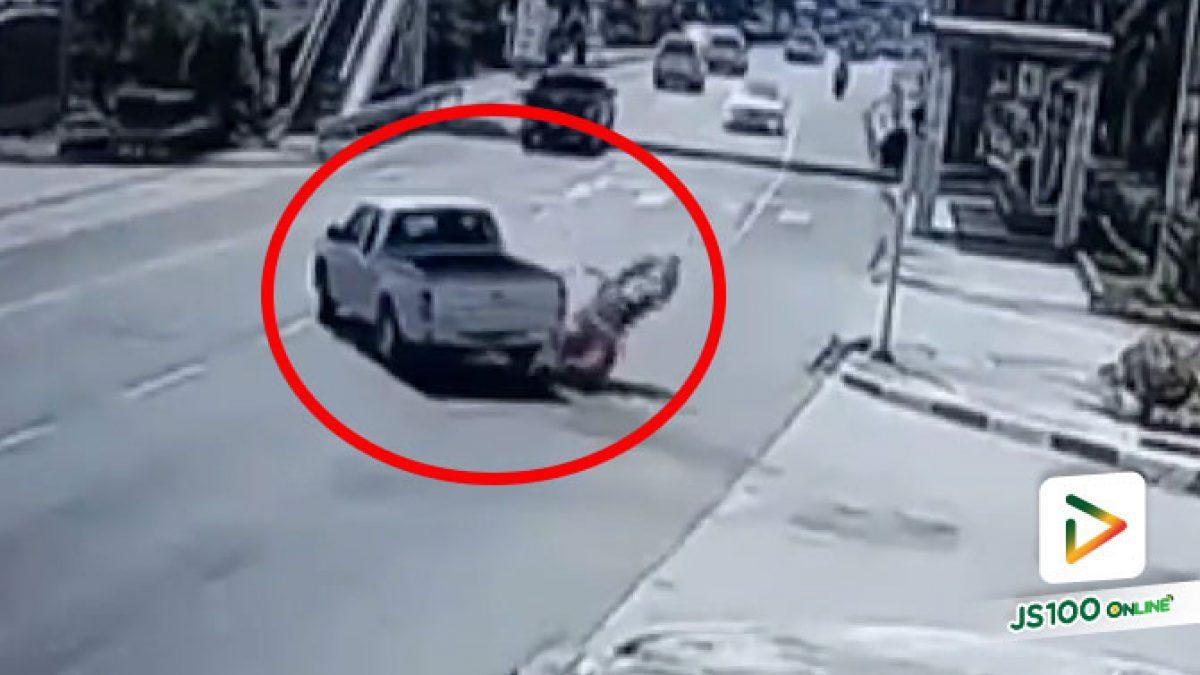 ปิคอัพข้ามถนนตัดหน้า จยย.เบรคไม่ทันชนล้ม บาดเจ็บ 1 คน (22/02/2021)