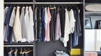 หมดปัญหากลิ่นกวนใจกับ 3 ทริคง่ายๆช่วยไล่กลิ่นไม่พึงประสงค์ใน ตู้เสื้อผ้า