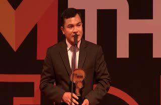 สุวรรณฉัตร พรหมชาติ ฮีโร่ 4 ล้อ รับรางวัล Top Talk-about Guy
