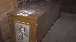 อดีตครู เตรียมโลงศพ รูปหน้าศพ สั่งเสียไว้ ถ้าตายแล้วอย่าเผา กลัวร้อน