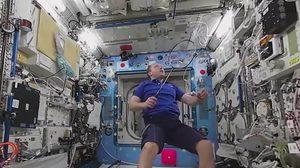 แบดมินตัน…กีฬาที่มนุษย์อวกาศชอบเล่นนอกโลก