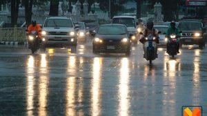 ภาคใต้-ตะวันออก ฝนยังตกหนักต่อเนื่อง ส่วนภาคเหนือ อีสาน กลาง ตกบางแห่ง