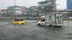 เมืองขอนแก่นอ่วม! น้ำท่วมบน ถ.มิตรภาพ หลังฝนตกอย่างหนัก
