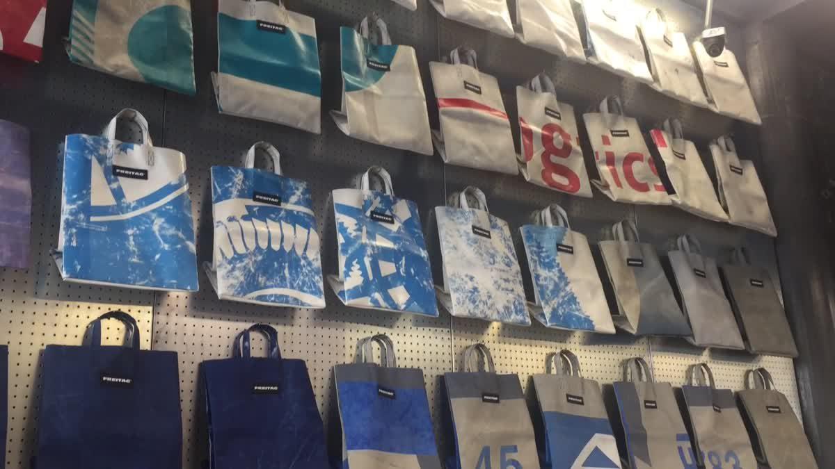 พาส่อง Freitag Store กับกำแพง Miami Vice ที่สยามสแควร์ซอย 7