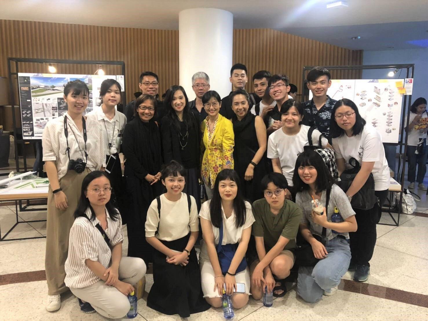 "SoA+D ต้อนรับคณาจารย์และนักศึกษาจาก Ming Chuan University เยี่ยมชมนิทรรศการแสดงผลงานวิทยานิพนธ์ ""เต็กสมัยนี้"" Architecture Thesis Show 2019 พร้อมร่วมหารือความร่วมมือด้าน Digital และ Creativity"