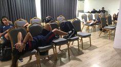 บอลไทยอึมครึม! ห้ามสื่อวุ่น-สาวปินส์นอนเก้าอี้บอลซีเกมส์