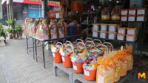 บรรยากาศก่อน 'วันวิสาขบูชา' ร้านสังฆภัณฑ์ชัยนาทเงียบเหงา