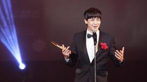 นิชคุณ ปลื้ม! รับรางวัลขวัญใจแดนมังกร – แย้ม ปีหน้ามีคอนเสิร์ต 2PM