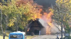 ญี่ปุ่นช้ำ! เกิดไฟไหม้ หมู่บ้านชิราคาวาโกะ เมืองมรดกโลกของประเทศ