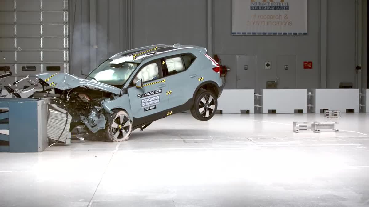 2019 Volvo XC40 ได้รับคะแนนระดับดี Top Safety Pick+จาก IIHS