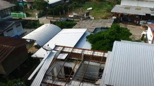 พายุถล่ม 'เชียงราย-พะเยา' บ้านเสียหายกว่า 300 หลัง
