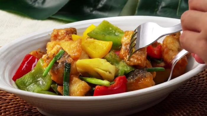 วิธีทำ ปลากะพงผัดเปรี้ยวหวาน รสชาติกลมกล่อม เนื้อปลากรอบๆ