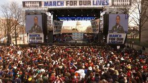 ชาวอเมริกันทั่วประเทศ เดินขบวนเรียกร้องคุมเข้มการใช้อาวุธปืน