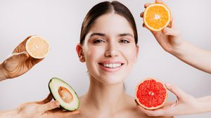 12 วิตามิน ที่ช่วยบำรุงผิว ให้สวยแบบสุขภาพดี เพื่อผิวสวยควรรู้ไว้!