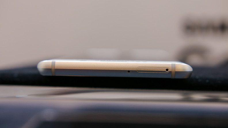 Samsung-Galaxy-S6-Edge-Plus-Hands-On-21-792x446