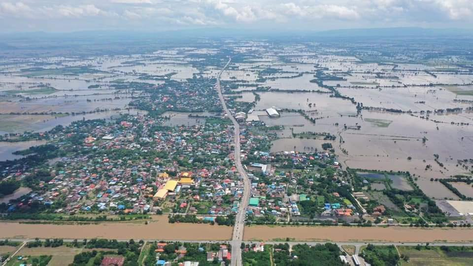 อำเภอในพื้นที่ลุ่มต่ำ จ.ลพบุรี เริ่มได้รับผลกระทบจากมวลน้ำจำนวนมาก