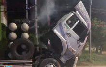 เด็กปั๊มช่วยดับไฟไหม้บนรถบรรทุก 18 ล้อ