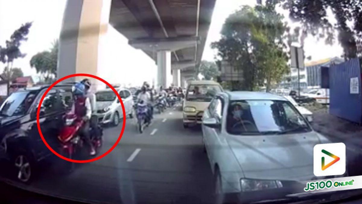 โปรดระวัง! โจรสมัยนี้ทุบกระจกรถชิงทรัพย์ต่อหน้าต่อตา (1-11-61)