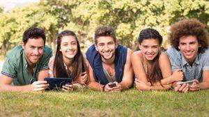 9 เหตุผล ที่ควร จีบสาว ที่มี เพื่อนผู้ชาย เยอะ!