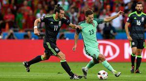 สาเหตุที่ทำให้ โปรตุเกส กับ เวลส์ ต้องใส่ชุดเยือนทั้งคู่ในเกม ยูโร 2016 เมื่อคืนนี้