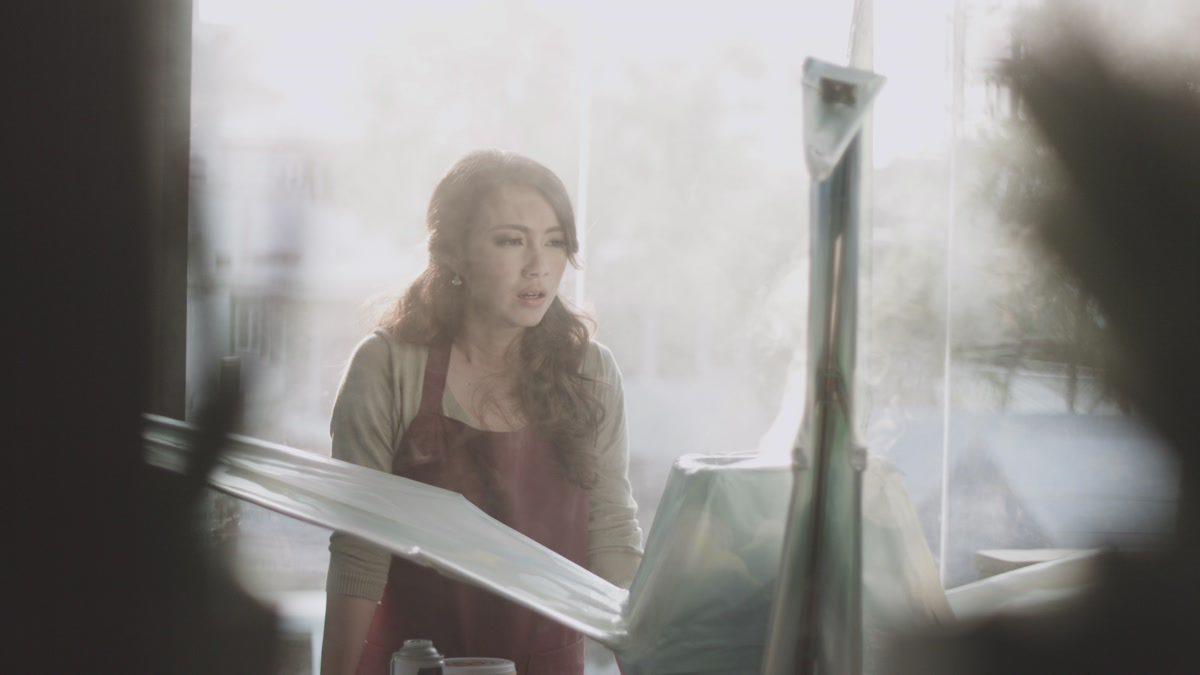 พับท้องฟ้า - อ้อน ลัคนา [Official MV]