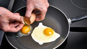 เฉลยให้หายงง! แท้จริงแล้ว ผู้สูงอายุทานไข่ทุกวันได้หรือไม่?